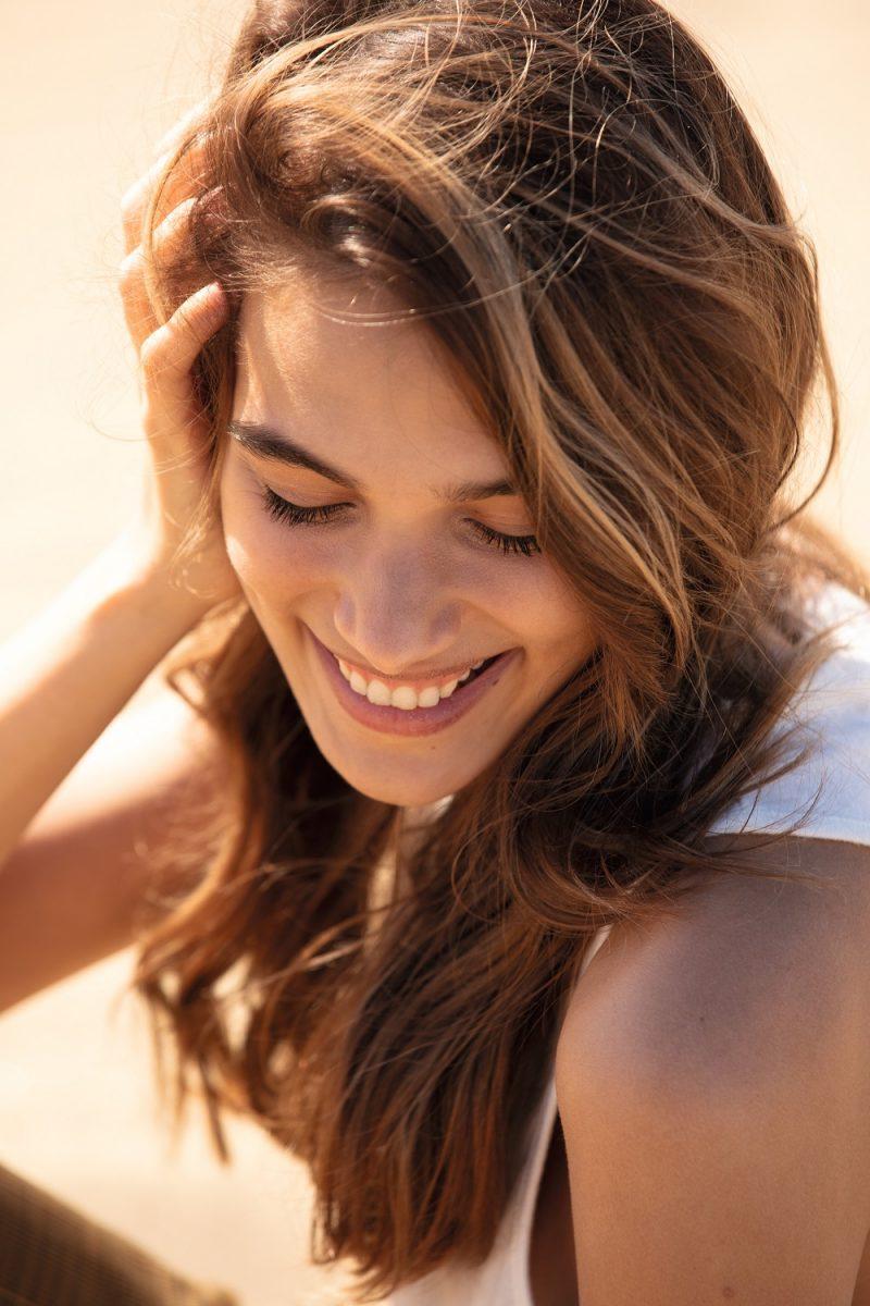 Reînvie instant părul și redă-i strălucirea cu Velvet Oil