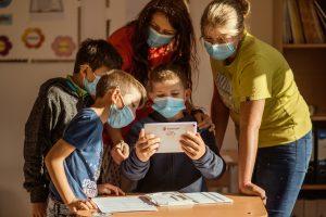 Donație Professional Brands către Salvați Copiii
